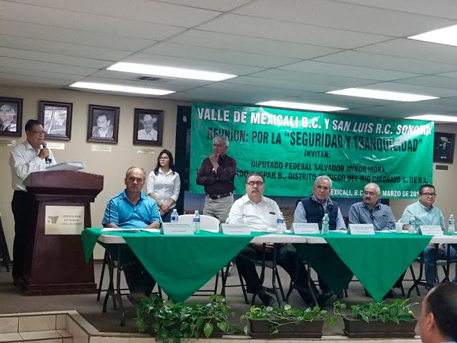 """Estudiantes de Derecho asisten a la reunión:  por la """"Seguridad y tranquilidad"""" del valle de Mexicali y San Luis Río Colorado"""